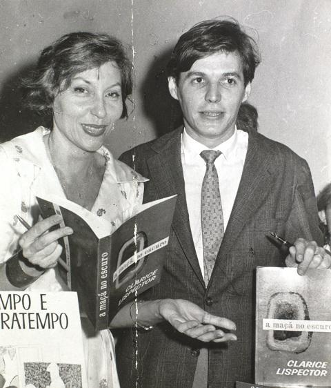 Benjamin Moser Y La Mujer Más Pequeña Del Mundo Revista