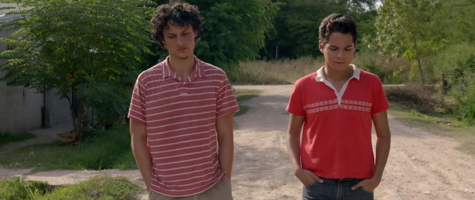 Ariel (Wall Javier) y Julio (Juan Sallmeri), en Hombres de piel dura.